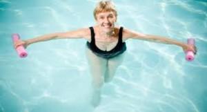 ¿La Natación es Buena para la Artritis?
