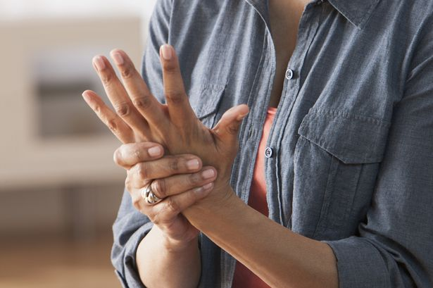 Cómo Tratar los Síntomas de la Artritis Para Vivir Mejor
