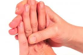 Cómo Combatir la Artrosis en las Manos con Batidos de Frutas