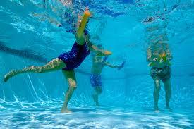 ¿La Artrosis Tiene Cura Haciendo Natación y Aquagym?