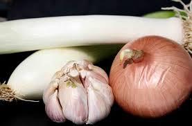 Qué Remedio es Bueno Para la Artrosis: Ajo y Cebolla