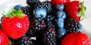 Estas Son las Frutas que Combaten la Artrosis: Uvas, Frutillas y Arándanos