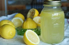¿Sirve el Agua con Limón para la Artrosis?